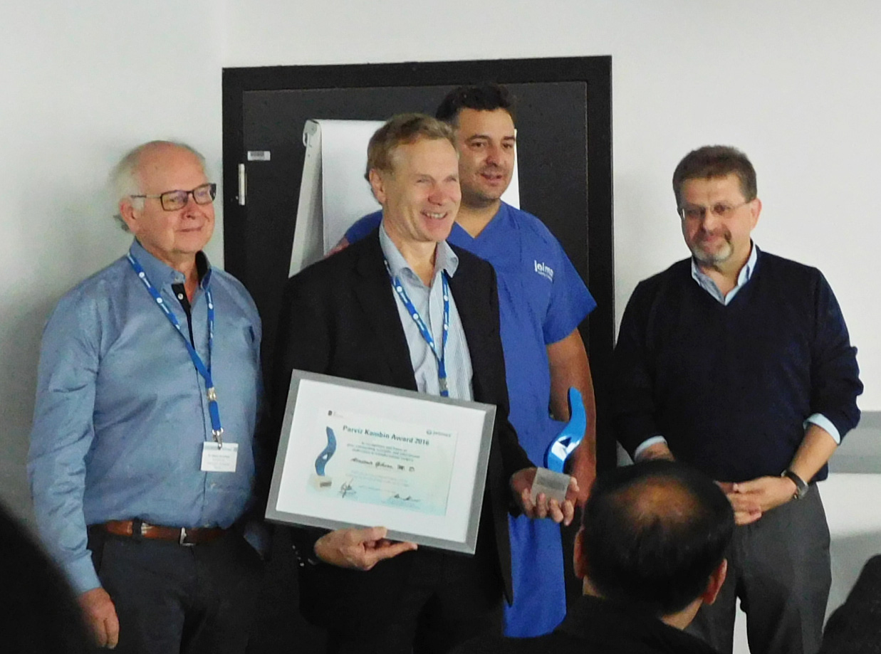 From left to right: Dr. Menno Iprenburg, NL; Awardee Alastair Gibson, MD, Scotland; Dr. Ralf Wagner, Germany; Wolfgang Ries, Founder & CEO joimax® GmbH